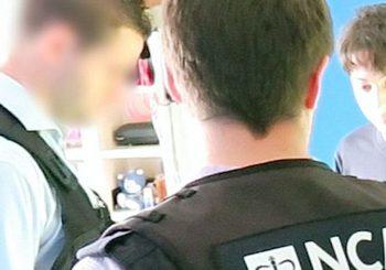 Teenager-Hacker gibt zu, dass 400 britische Schulevakuierungen mit 24.000 Falschmeldung-Bombendrohungen ausgelöst wurden